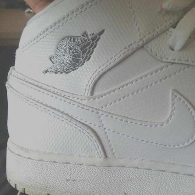 Air Jordan 1s GS ..PRICE DROP