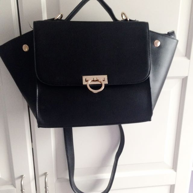 *BRAND NEW* Faux Leather Purse