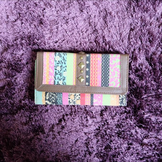 Claire's Tribal Wallet