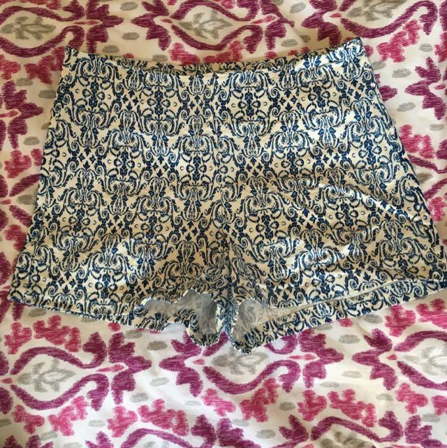 Cocolatte Shorts