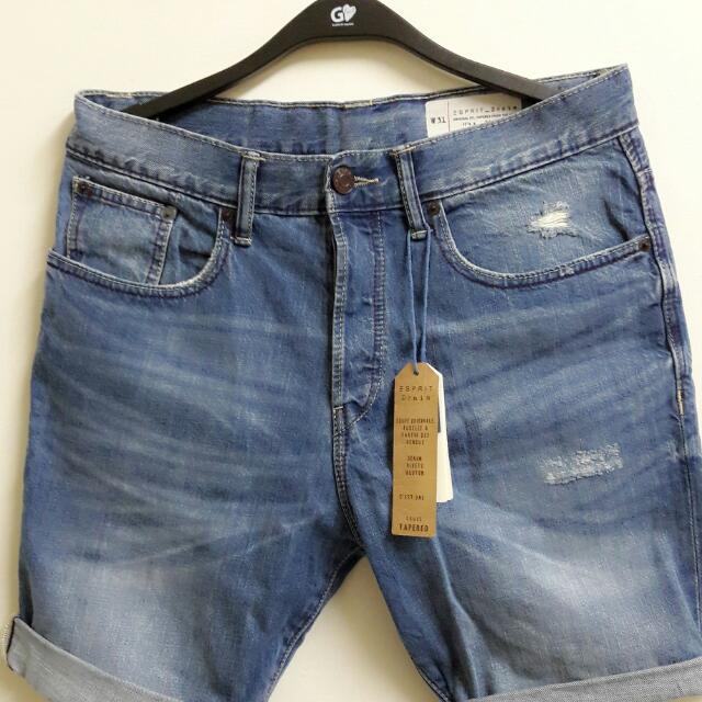 (保留中)Esprit 牛仔短褲