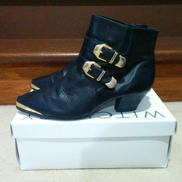 Gold Capped Leather Boots (7.5)
