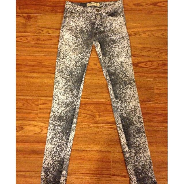 Jeans Uniquely Patterned