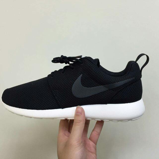 Nike Roshe One 黑勾白底 保證正品公司貨 US6 24cm