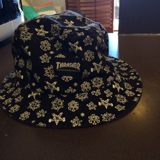 Thrasher Snowflake Bucket Hat