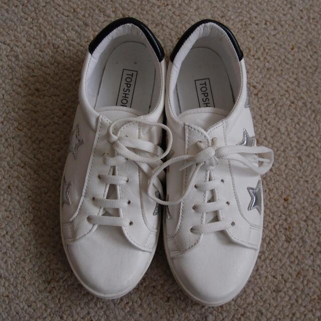 TOPSHOP white sneakers with silver stars size UK 4/EU 37 (AU 6)