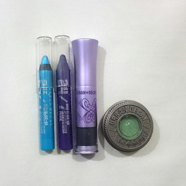 URBAN DECAY Authentic Cosmetics