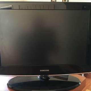 """Samsung 22"""" Widescreen TV"""
