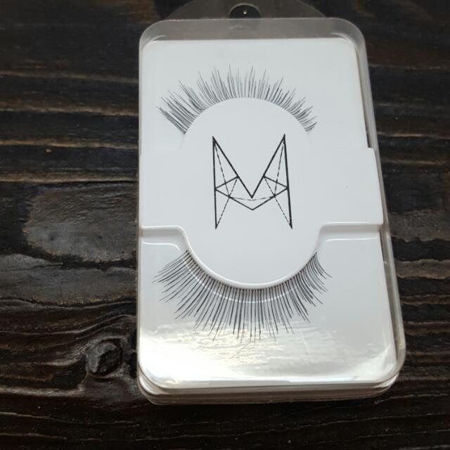 10 Pairs Of False Eyelashes Style 'Cutie'