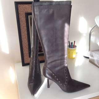 Guess brown leather boots