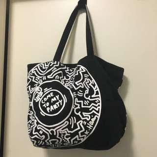 Unque Shoulder Bag