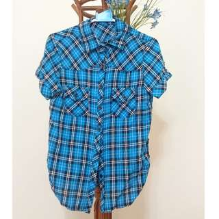 藍黑格紋襯衫
