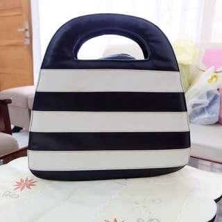 Stripe Bw Hand Bag