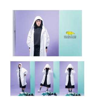 徵收 白色長版風衣