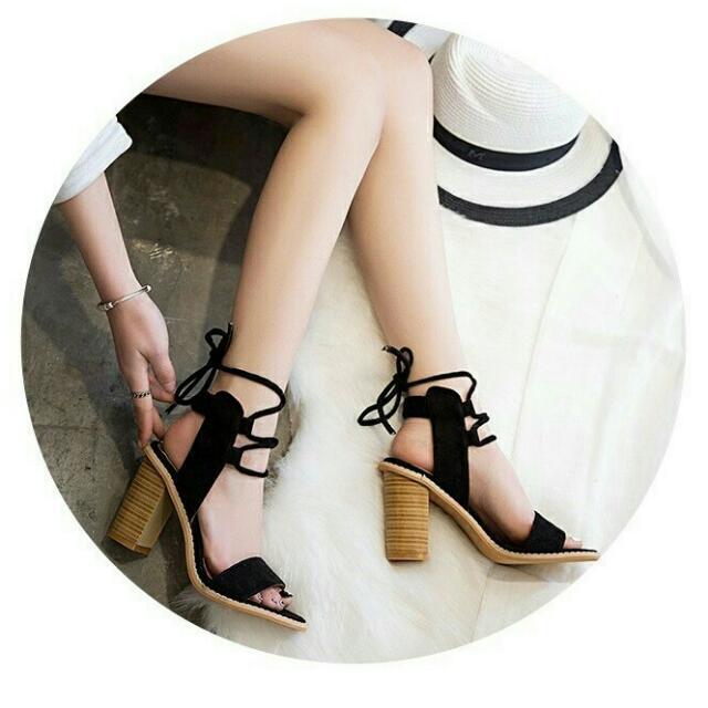 羅馬絨質綁帶高跟涼鞋