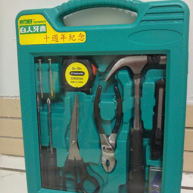 全新工具組 /捲尺.鐵鎚.螺絲起子.螺絲.鉗子.美工刀