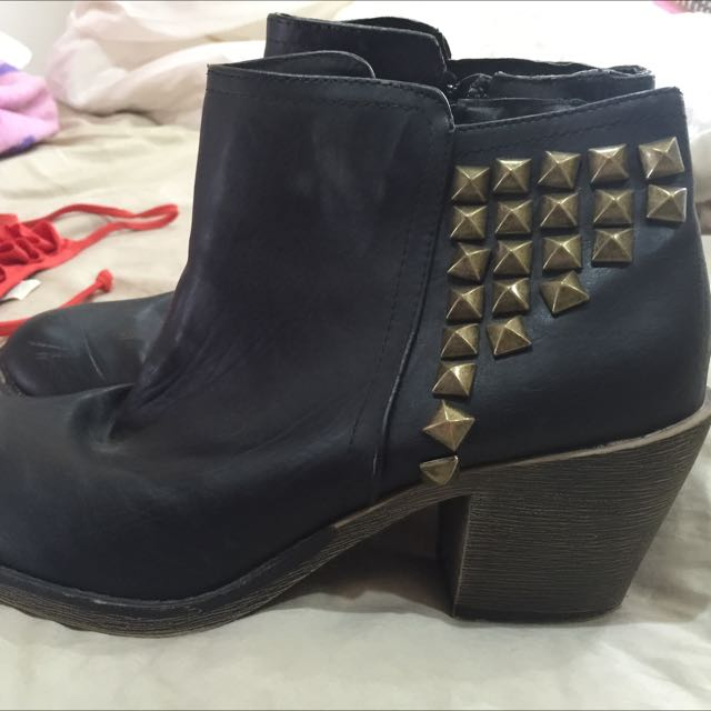Girl Express Boots Size 7
