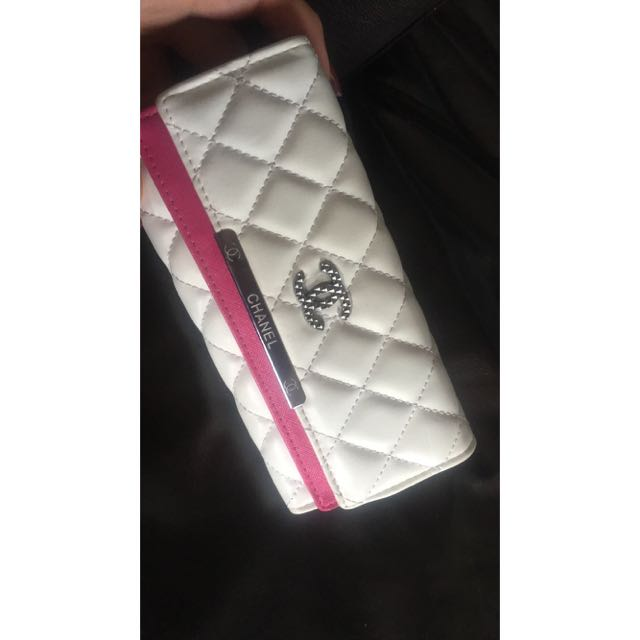 HOT PINK AND WHITE CHANEL WALLET