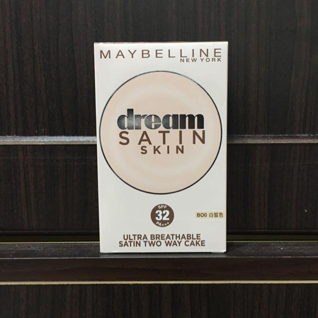 Maybelline媚比琳夢幻奇蹟無瑕嫩粉餅
