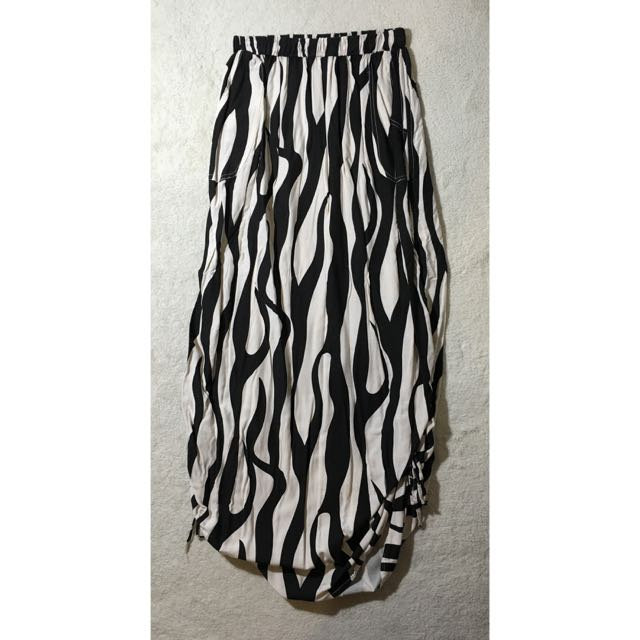 Patterned Maxi Skirt Size 8