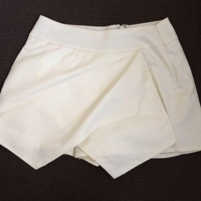 Shorts Size 8