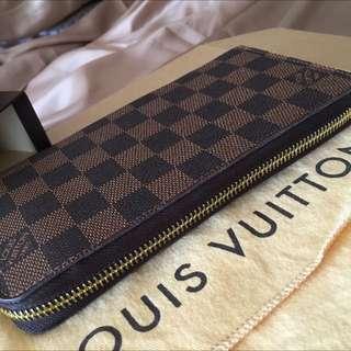 Louis Vuitton Zippy Purse