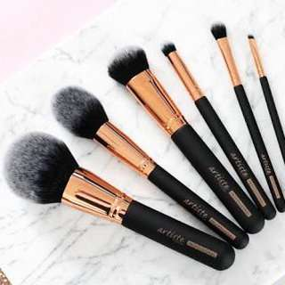 Artiste Professional Airbrush Collection 'Blending Crease Brush A05'.