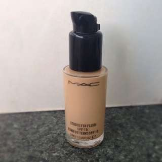 *Pending sale* MAC Studio Fix Fluid Foundation NC20