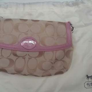 Wristlet Purse With Dual Compartment