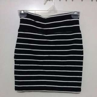 Forever 21 Black & White Stripes Mini Skirt