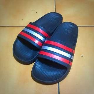 二手 愛迪達 Adidas 三條線 防水 拖鞋 女生 黑