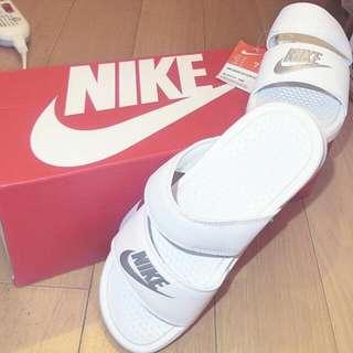 全新 Nike 拖鞋 WMNS