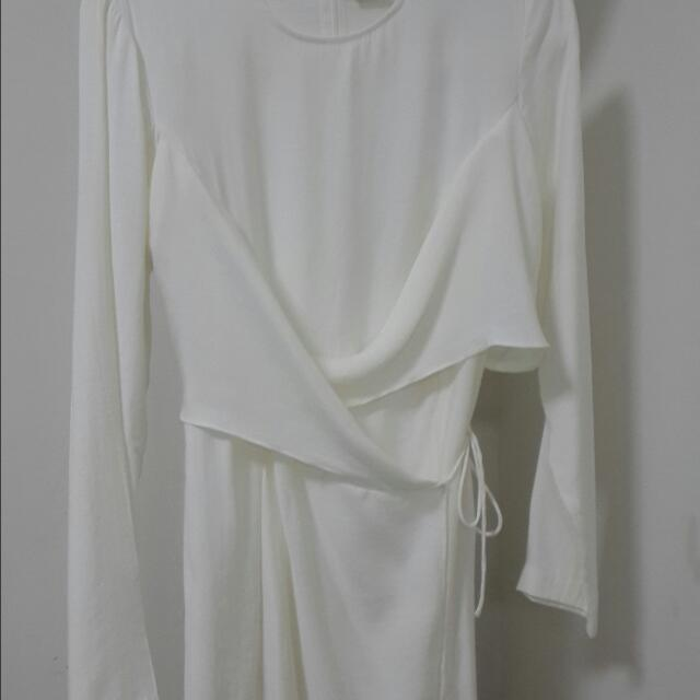 a83ff09a2a59be RESERVED] Preloved Uniqlo Women Rayon Wrap Long Sleeve White ...