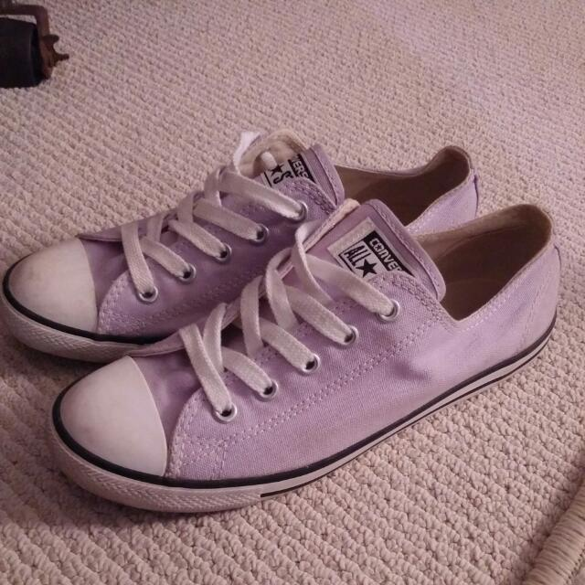 Size 7 Converse