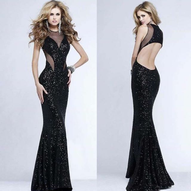 Stunning Evening Gown, Women\'s Fashion on Carousell