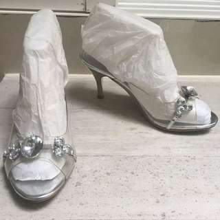 (preloved) Cinderella Shoes