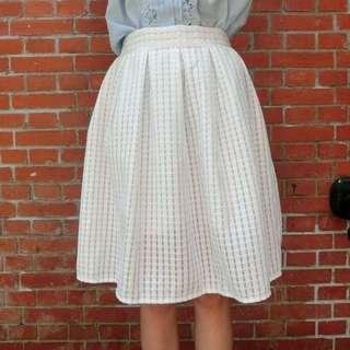 鏤空小正方格及膝裙