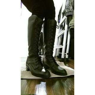 😱 (Price Drop!) Black Leather Lace-up Boots sz 6