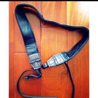 降價了 近全新單眼相機黑色背帶 可掛脖子 Canon Nikon Sony