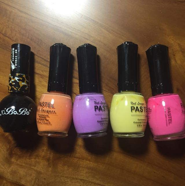指甲油(黑、粉橘、粉紫、清透黃、亮粉)