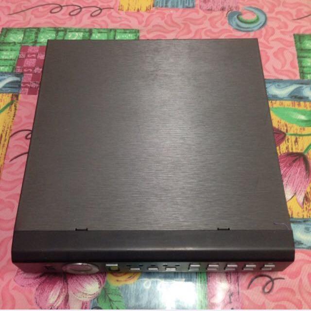台製 DVR 4CH H.264監視器主機 + 搖控器, 四路 可錄4路 ,可用於大卡車當錄影行車記錄器,另有4個車用 Sony CCD 鏡頭!一支長距離對焦!三支廣角鏡頭! 還有專用的線組!硬碟500GB!