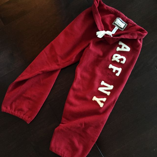 Abercrombie & Fitch Cropped Red Sweatpants