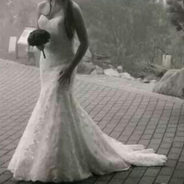 Full Lace Ivory, Mermaid style Wedding dress