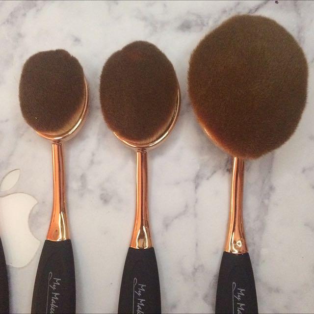 Make Up Oval Brushes