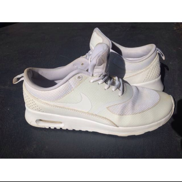 Nike Air Thea Size 9