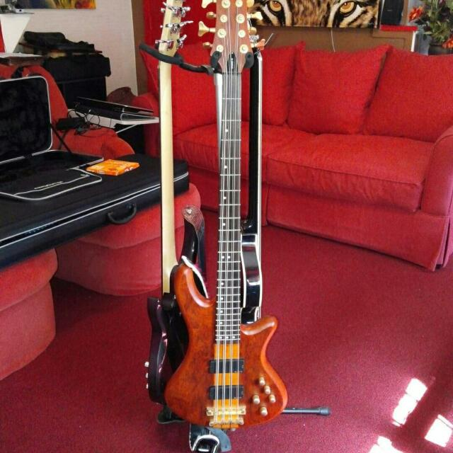 Schecter stiletto Studio 8 String Electric  Bass  Guitar  Honey Satin. New strings,  also comes with soft carrying Bass guitar bag