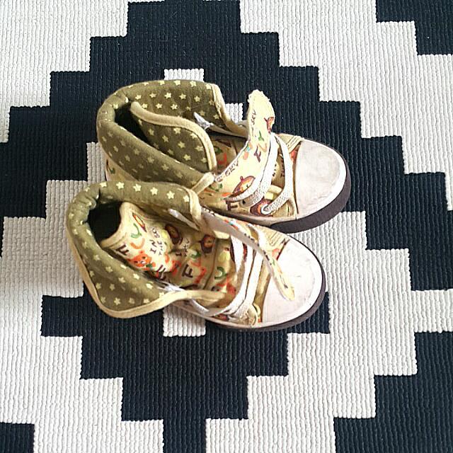 Sneakers Sz 28