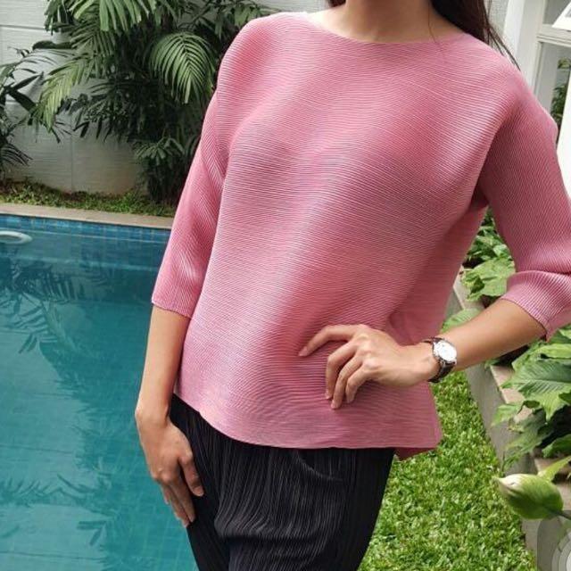 soft pink pleats please top