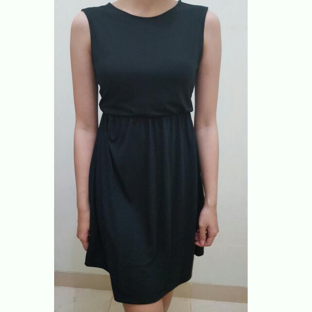Uniqlo Simple Black Dress