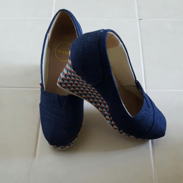 """wakai"" wedge shoes size 36"